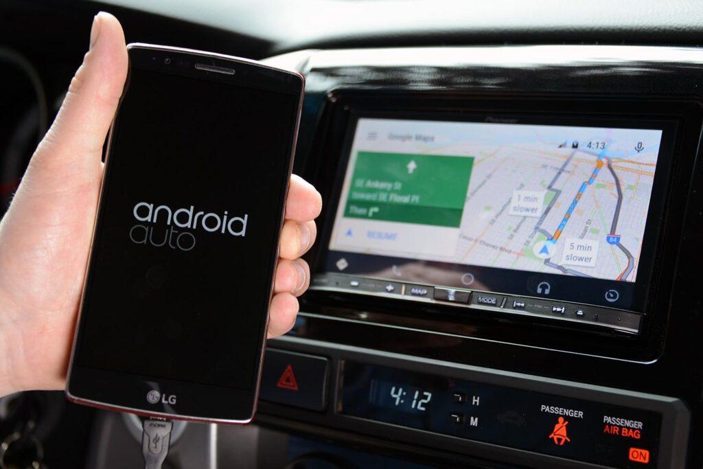 Android Auto implementato in Google Maps. Partito l'aggiornamento