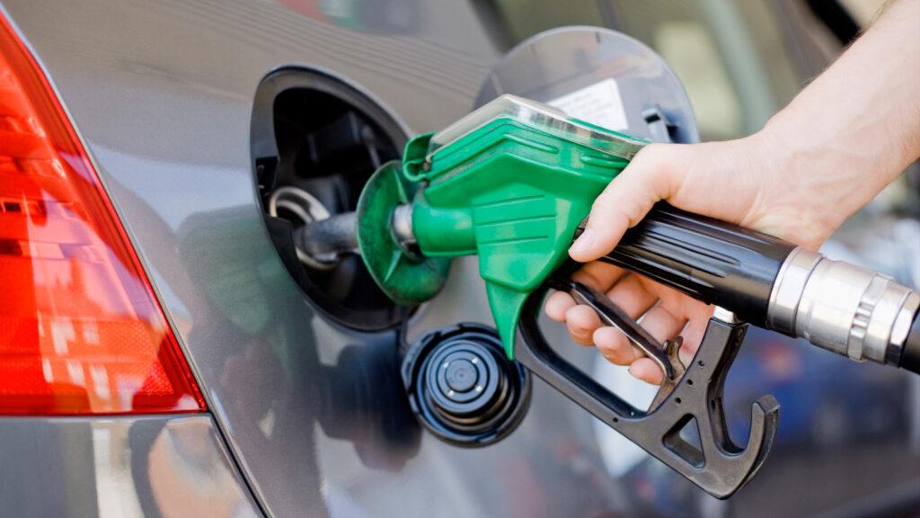Stop ad auto benzina in Quebec dal 2035