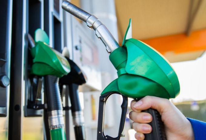 Benzinai: stop dal 30 novembre al rifornimento in autostrada