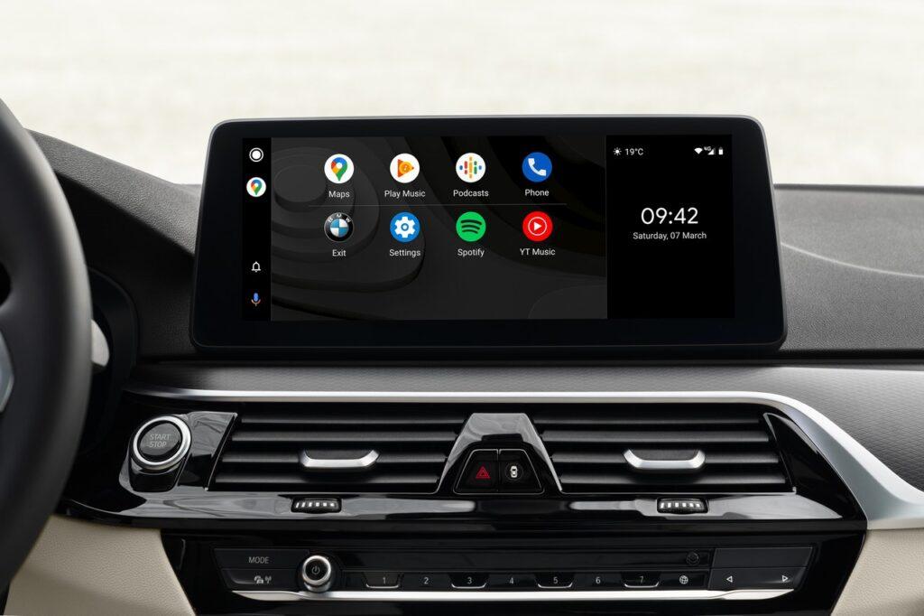 BMW: le nuove funzioni con l'aggiornamento del sistema operativo