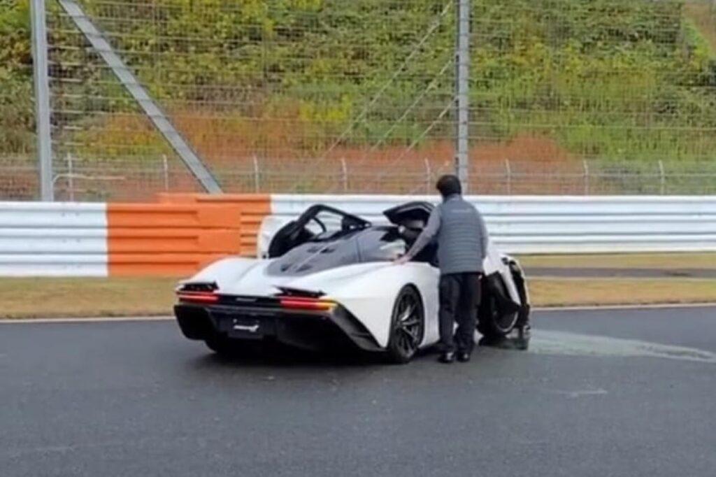 McLaren Speedtail: l'incidente durante una sessione in pista al Fuji Speedway [VIDEO]