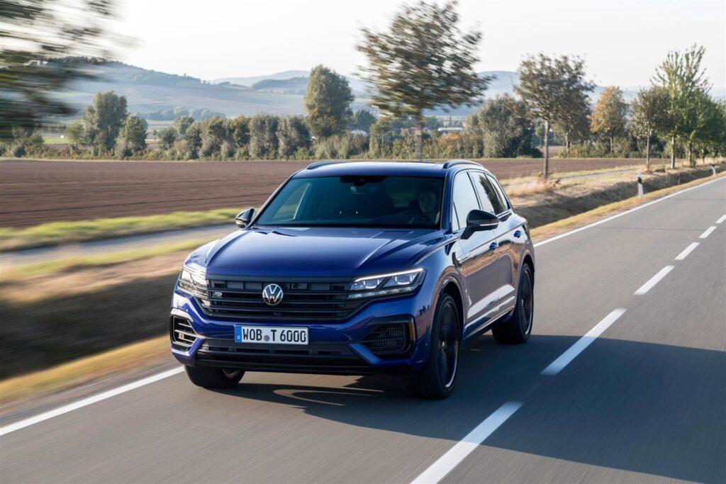 Volkswagen Touareg eHYBRID e Touareg R: i SUV elettrificati sono disponibili in Italia