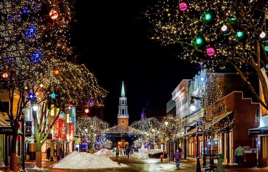 Dpcm Natale 2020: stop a spostamenti tra Regioni, feste nel Comune di residenza
