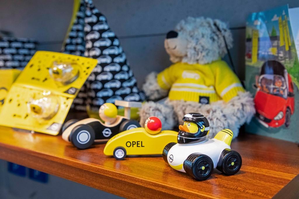 Il tempo per lo shopping natalizio sta scadendo. Opel ha la soluzione!