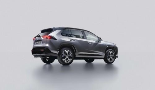 Toyota RAV4 Plug-in Hybrid: iniziata la vendita del SUV alla spina