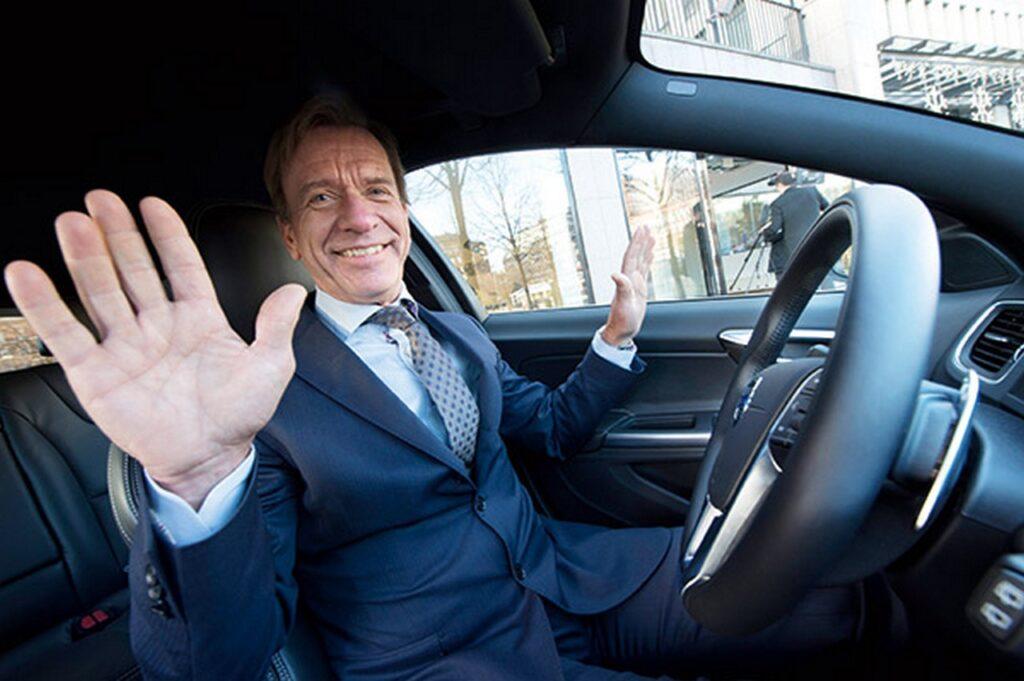 AD Volvo: meglio evitare le auto termiche e non dare incentivi per le elettriche