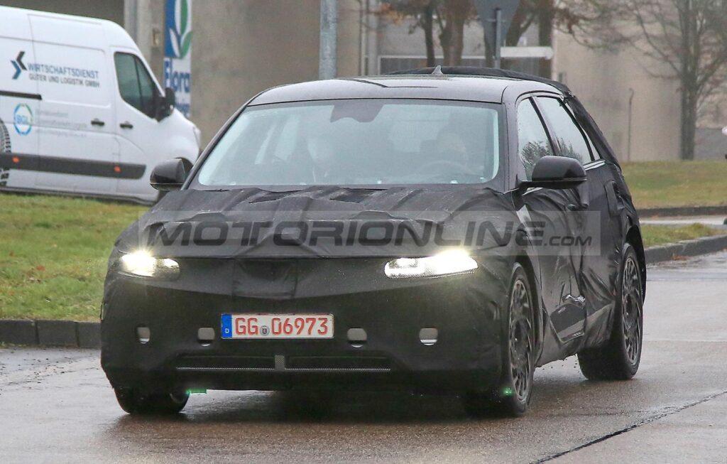 Hyundai Ioniq 5 - Foto spia 11-12-2020