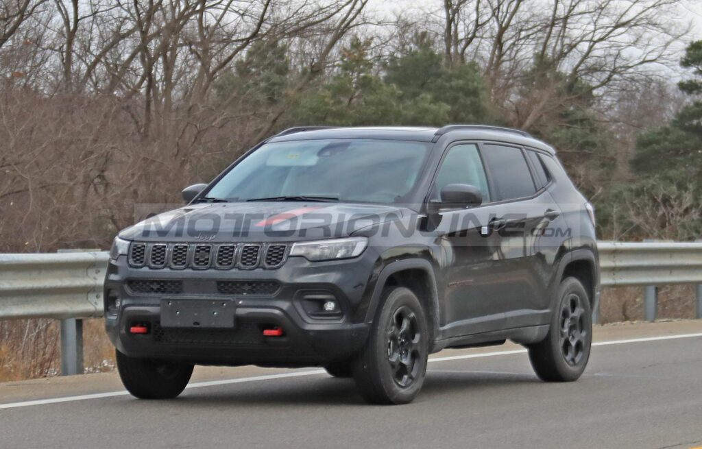 Jeep Compass Trailhawk 2022 - Foto spia 04-12-2020