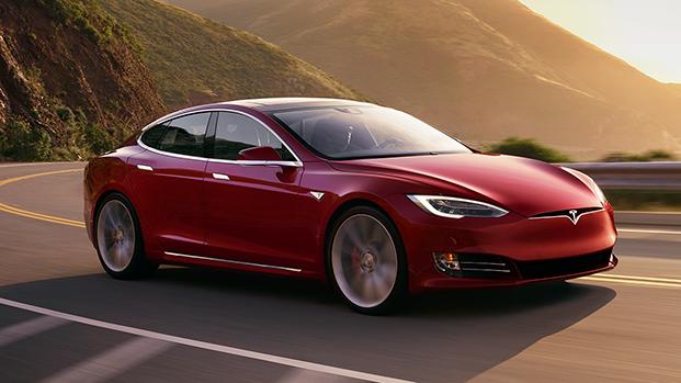 Tesla: in America offerti 3 mesi gratis di Full Self-Driving (FSD)