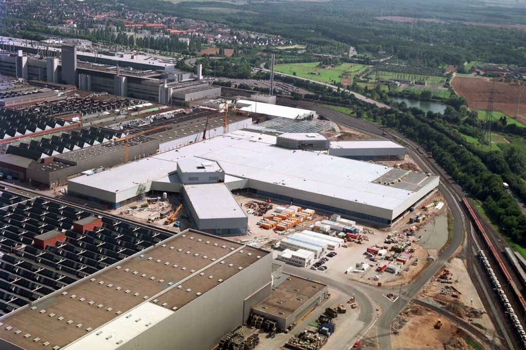 Opel: i 70 anni dello storico stabilimento di Russelsheim