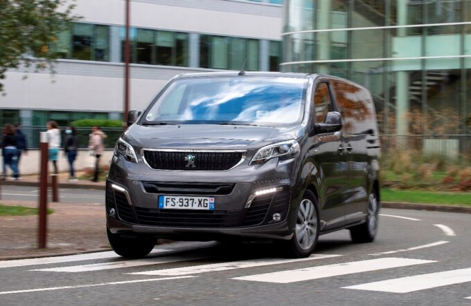 Peugeot e-Expert conquista il premio International Van Of The Year 2021