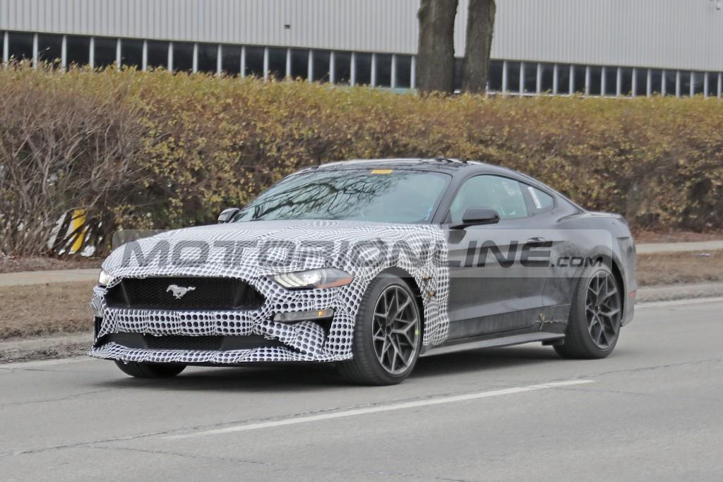 Ford Mustang 2023: la nuova muscle car sarà ibrida e con la trazione integrale