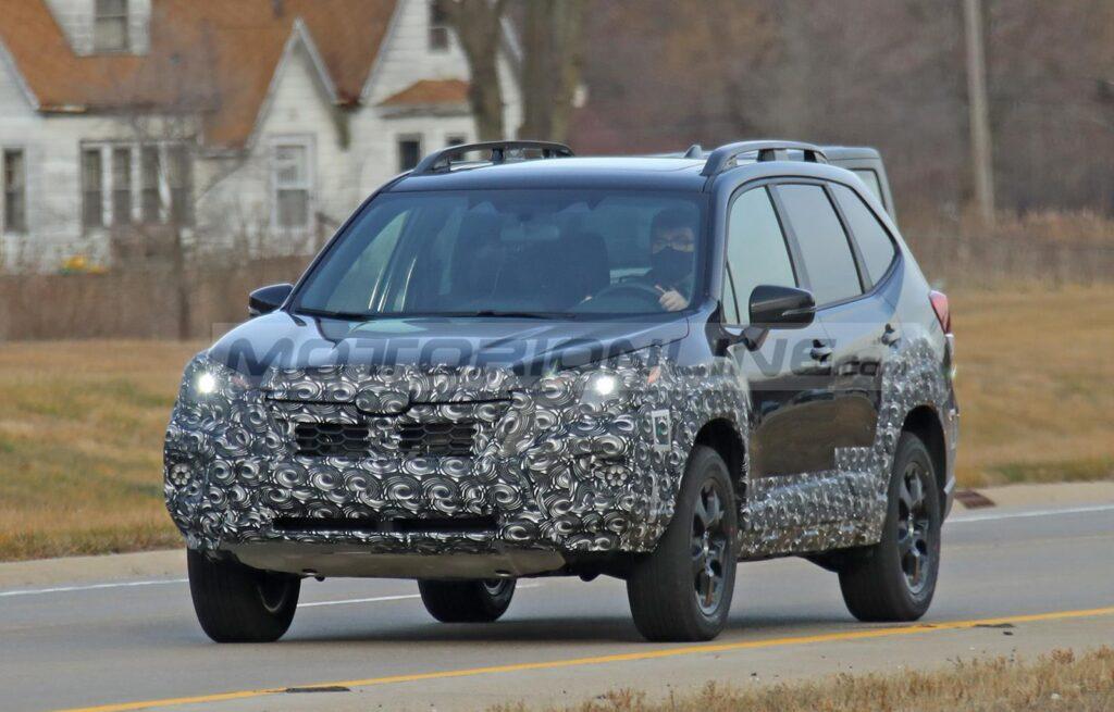 Subaru Forester 2022 - Foto spia 17-12-2020