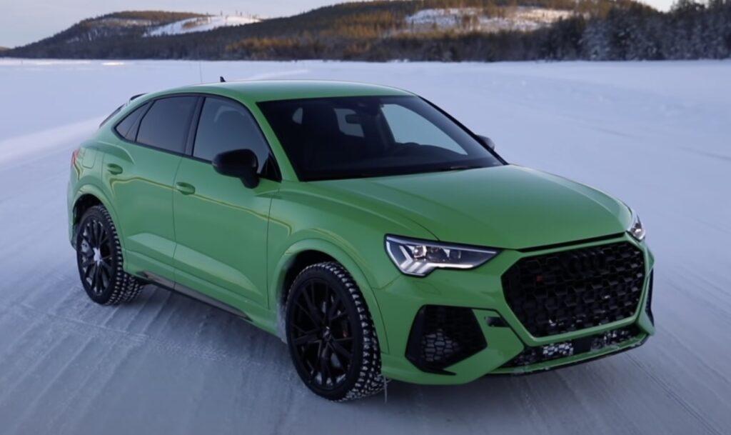 Audi RSQ3 2021: sound, drift e launch control sulla neve con i suoi 400 CV [VIDEO]