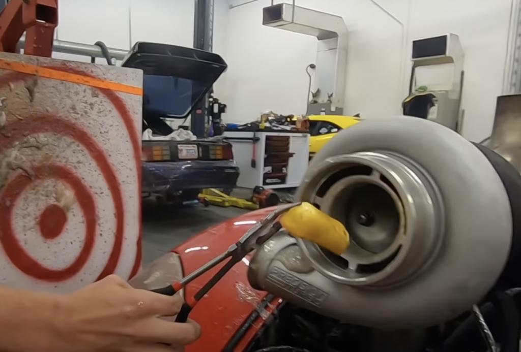 Scambiare la turbina per un trita tutto: cosa succede se inseriamo degli oggetti? [VIDEO]