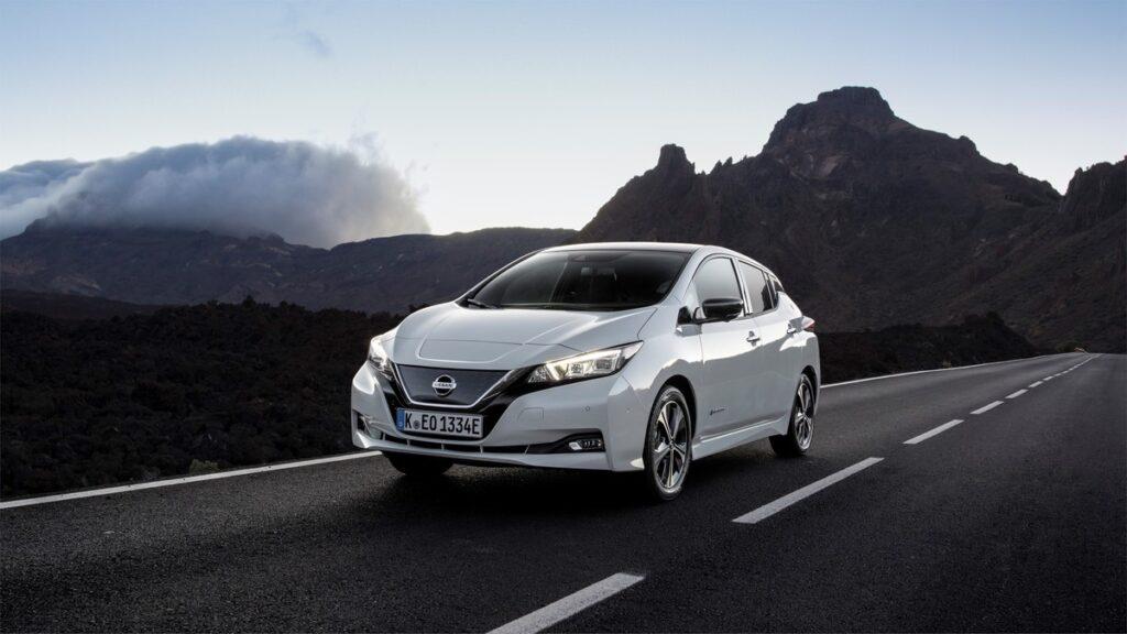 Nissan Leaf: la prima elettrica di massa compie 10 anni [VIDEO]