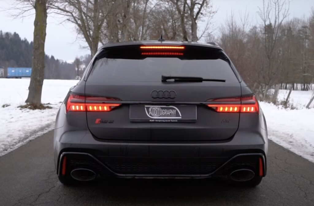 Audi RS6 ABT: ben 700 CV per questa versione total black [VIDEO]
