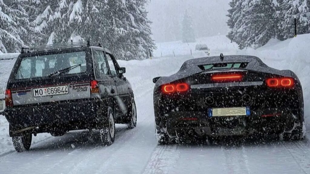 "Fiat Panda 4×4 vs Ferrari SF90 Stradale: un'altra ""drag race"" insolita sulla neve [VIDEO]"