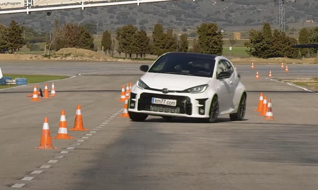 Toyota GR Yaris: ecco come si comporta nel Test dell'Alce [VIDEO]