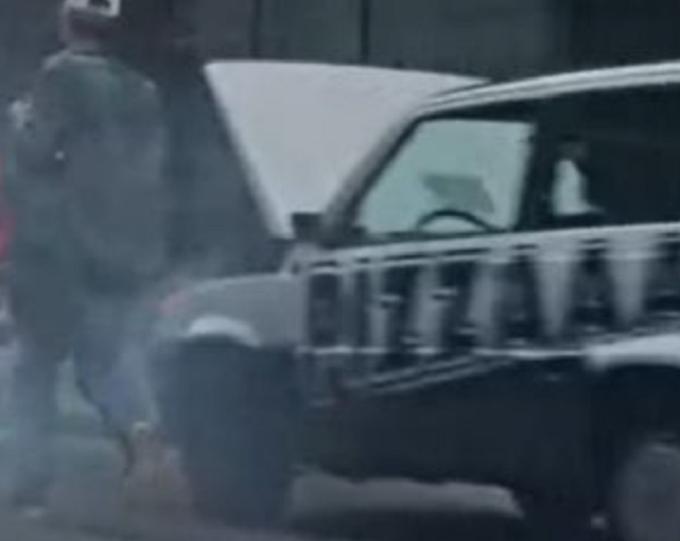 """Fiat Panda in fumo nello spot Hyundai, frecciata social di Lapo Elkann: """"Panda in fumo solo per il decollo verticale"""""""