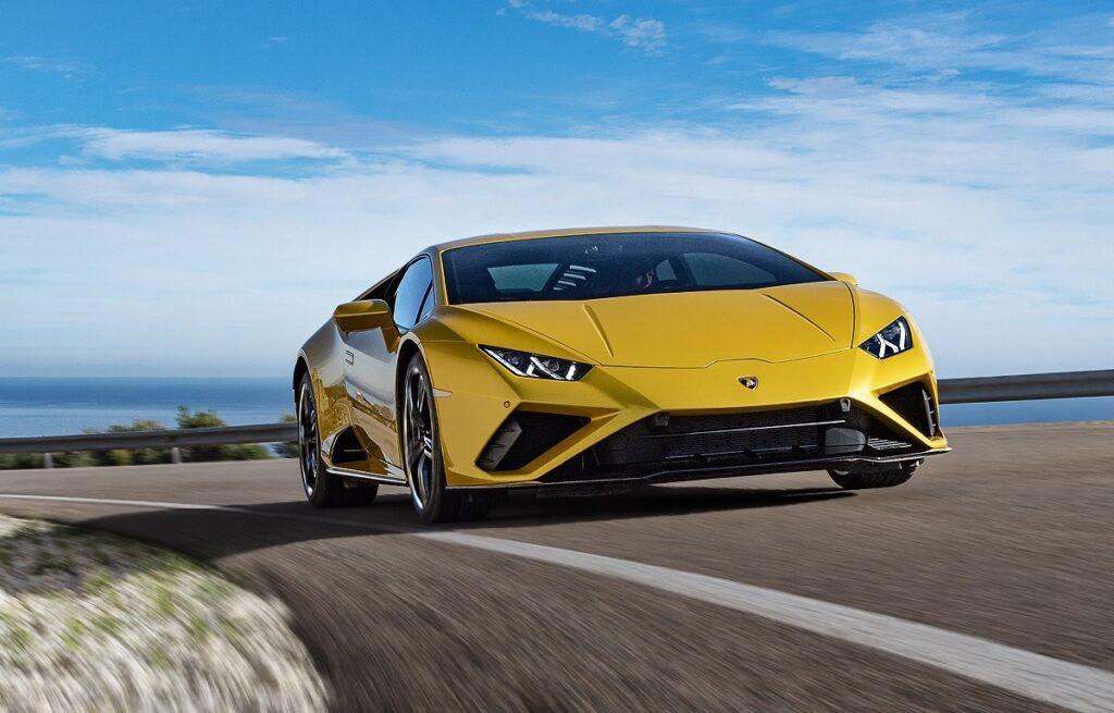 Lamborghini Huracan EVO: la supercar integra Amazon Alexa