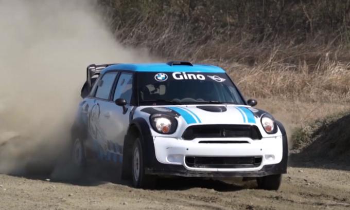 Mini Countryman JCW WRC: piccola da rally in drift sulla terra con Alessandro Gino [VIDEO]