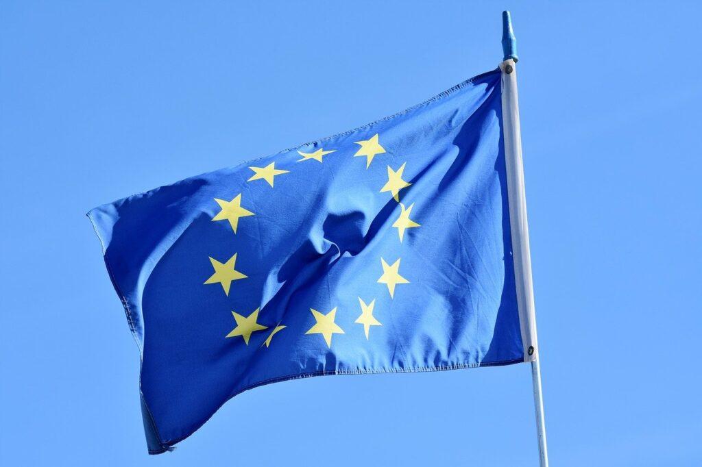 Appello all'UE: stop alle auto benzina e diesel dal 2035, c'è anche Volvo