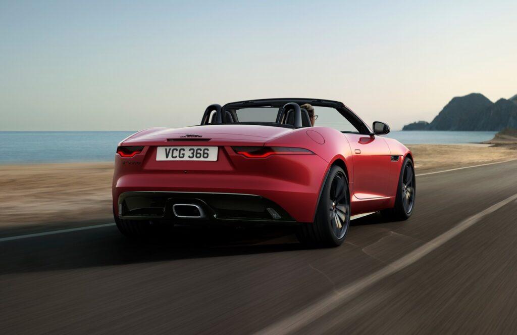 Jaguar F-Type: arrivano i nuovi modelli R-Dynamic Black