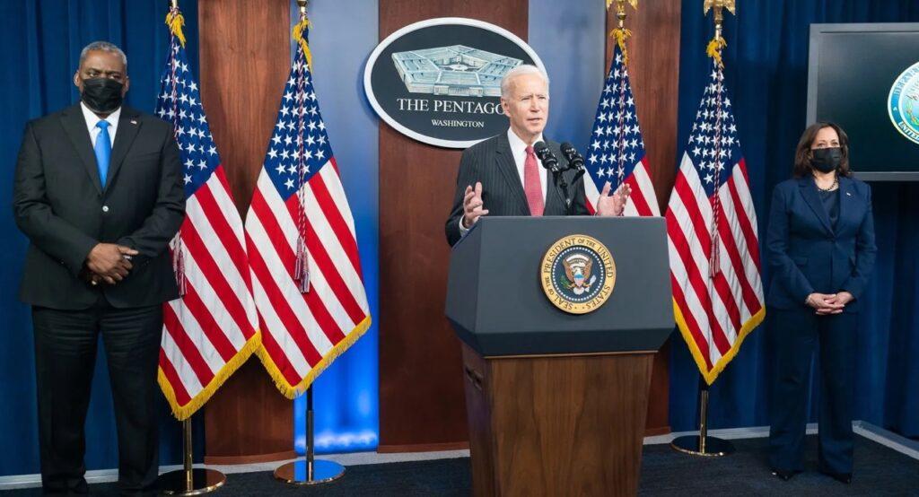 Stati Uniti: richiesto a Biden lo stop alle auto endotermiche dal 2035