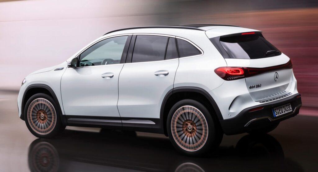 """Mercedes-Daimler, il CEO Ola Kallenius: """"Bisogna accelerare sulla transizione elettrica, più collaborazione tra industria e politica"""""""