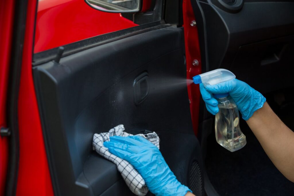 Pulizia auto: i detergenti ideali