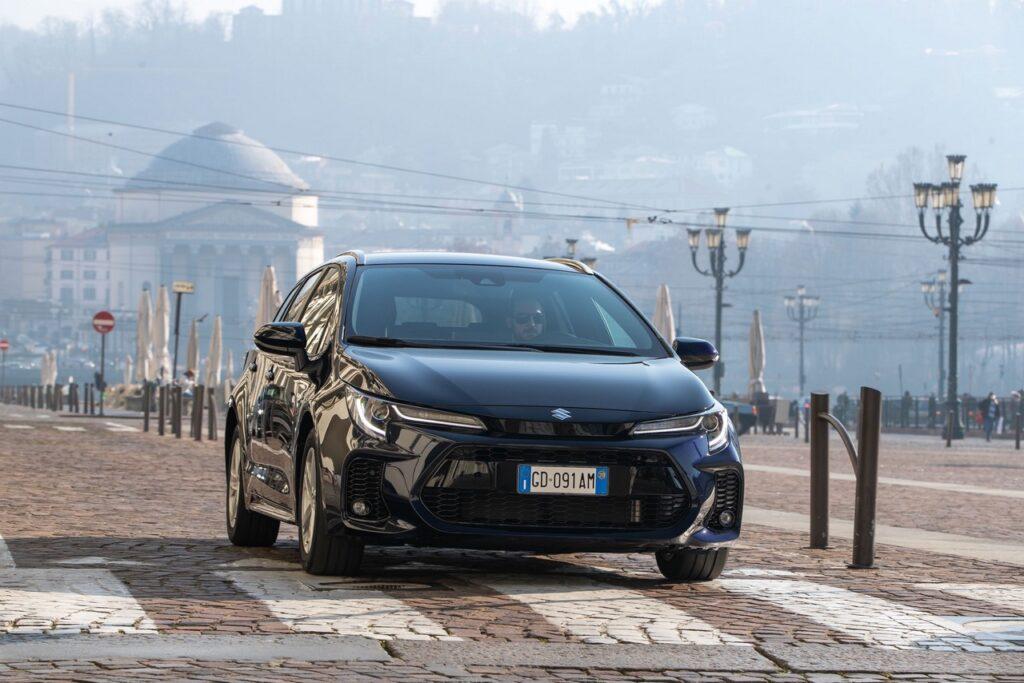 Suzuki: garanzia estesa fino a 10 anni su Swace e Across