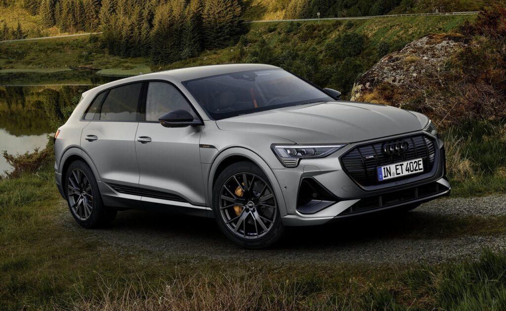 Audi e-tron 2022: arriva l'inedito pacchetto S line black edition