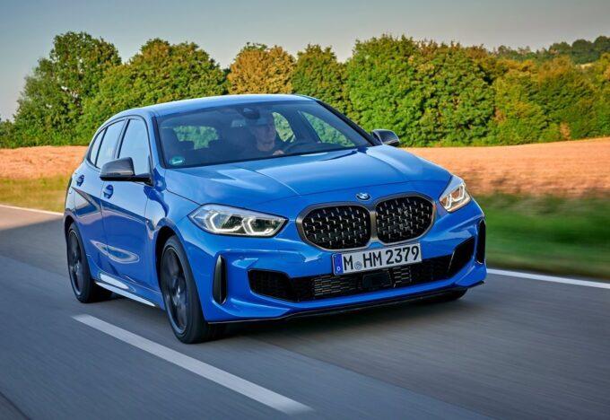 BMW M135i xDrive: in pista è super col pneumatico giusto, parola di Alessandro Gino [VIDEO]