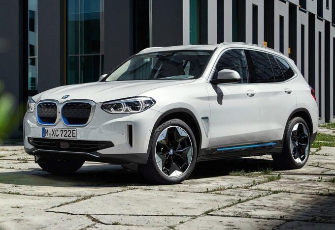 BMW iX3: speciale test drive a Milano con Vicky Piria e Gruppo Gino [VIDEO]
