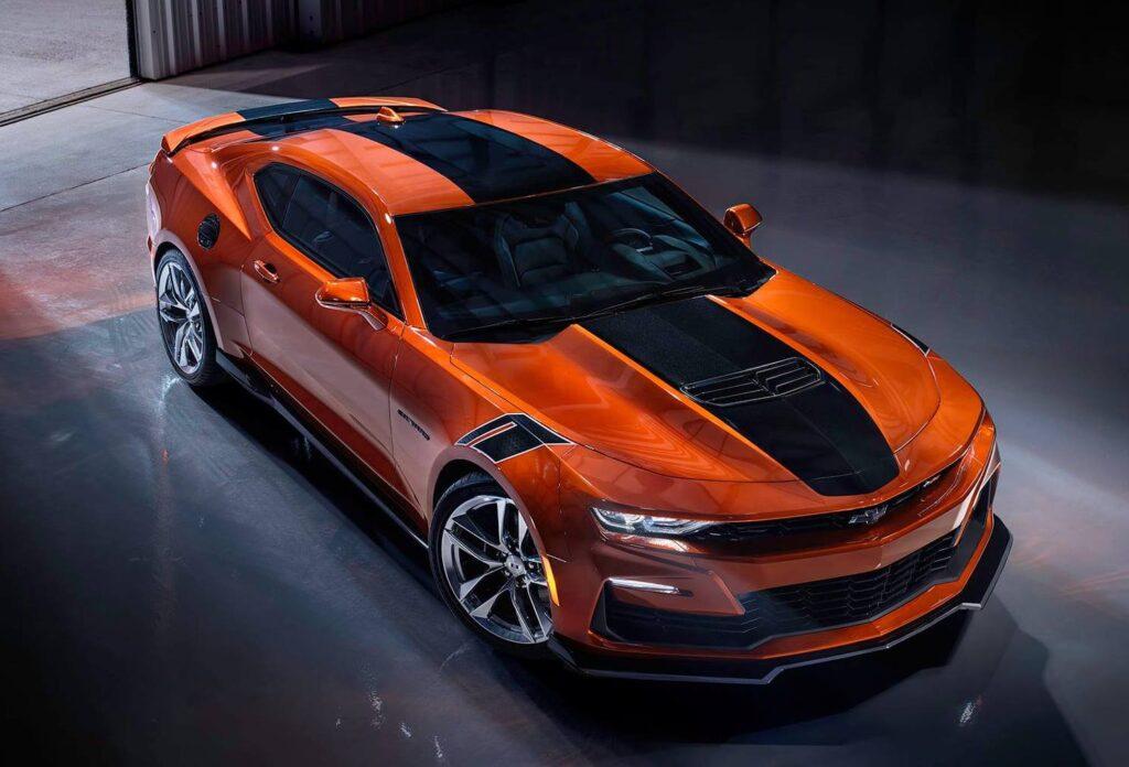 Chevrolet Camaro 2022: nuova tinta Vivid Orange ad aggiornare la gamma
