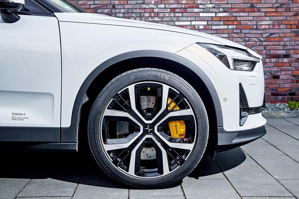 Continental cresce nel mercato degli pneumatici per veicoli elettrici