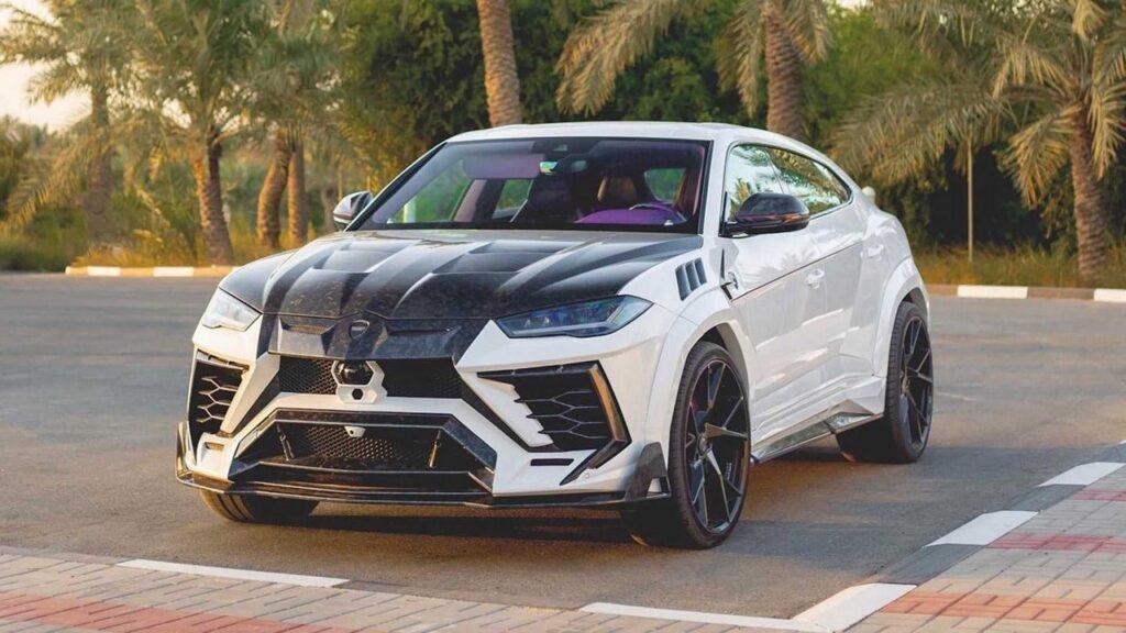Lamborghini Urus by Mansory si chiama Venatus ed è esagerata [FOTO]