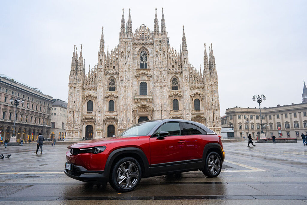 """Mazda MX-30: l'elettrica al MiMo 2021 lancia i """"MiMo Bonus"""" [INTERVISTA LIVE]"""