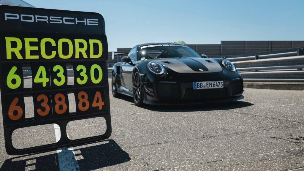 Porsche 911 GT2 RS - Record Nurburgring