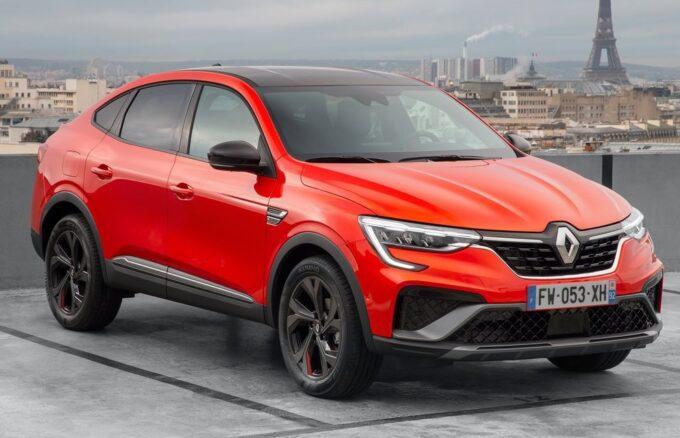 Renault Arkana, due nuovi motori a listino: E-Tech 145 e 1.3 TCe 160