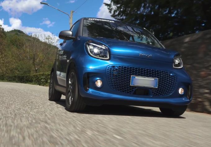 Smart EQ Fortwo: la city car elettrica in strada con Autotorino [VIDEO]