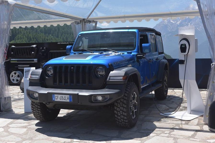 Jeep Wrangler 4xe: le soluzioni per la ricarica con Free2Move