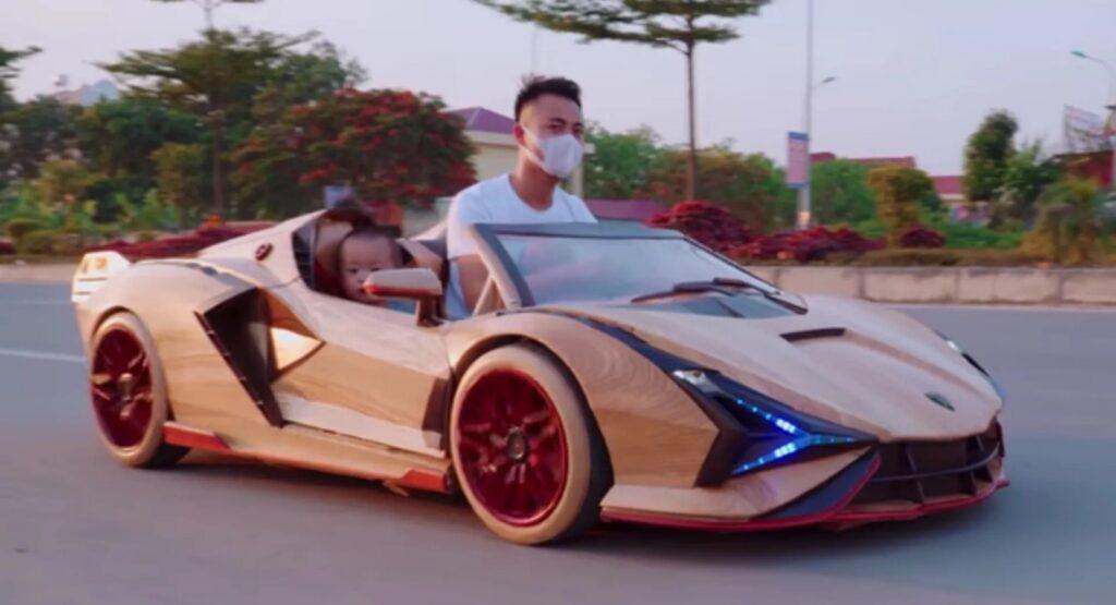 Lamborghini Sian: 65 giorni per creare un modellino in legno per il figlio [VIDEO]