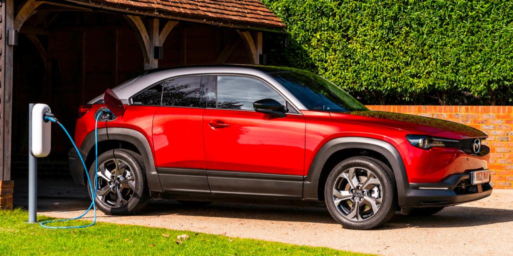 Futuro Mazda: elettrificazione, biocombustibili ed e-fuels