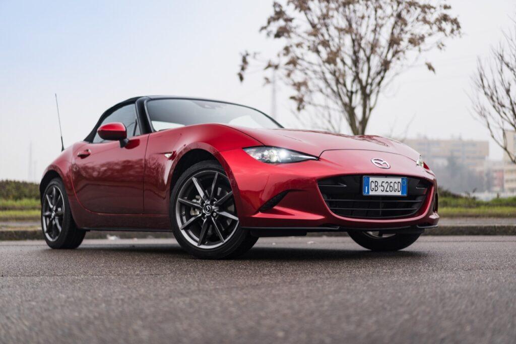 Mazda MX-5: la nuova generazione sarà elettrificata