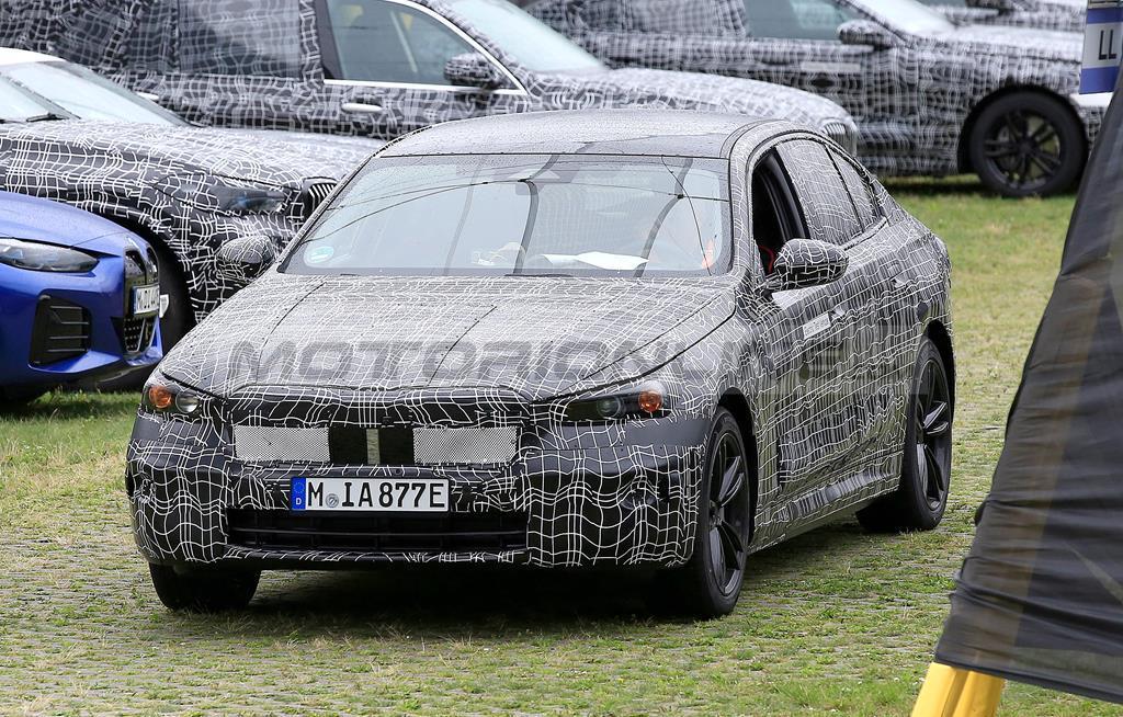BMW Serie 5 2023 - Foto spia 15-07-2021