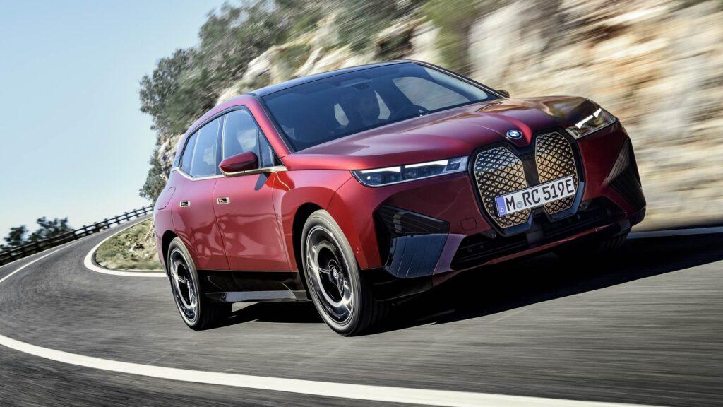 BMW iX 2021: in arrivo a novembre il primo SAV nativo elettrico con prezzi a partire da 84.000 euro