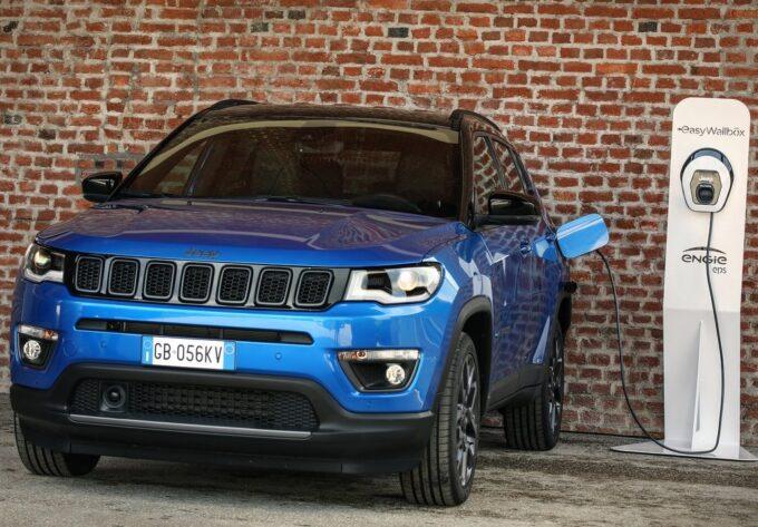 Jeep Compass 4xe: in promozione a luglio da 249 euro al mese