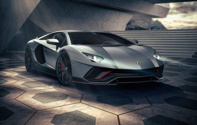 Lamborghini: un V12 ibrido per il 2021